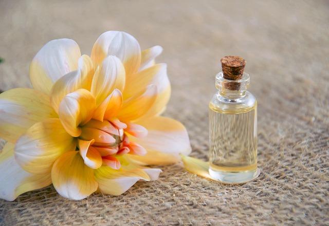 Kvet, masážny olej.jpg