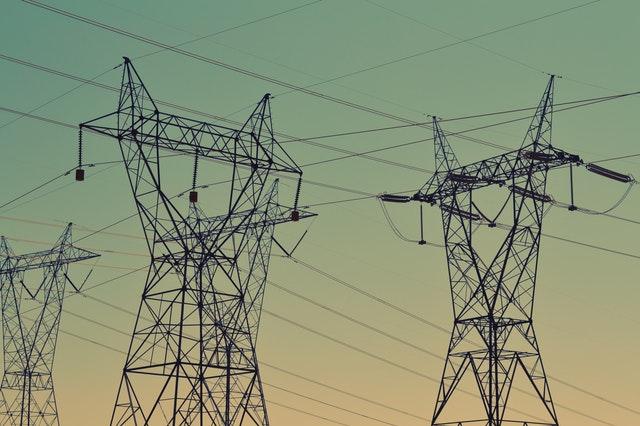Elektrické stĺpy a káble